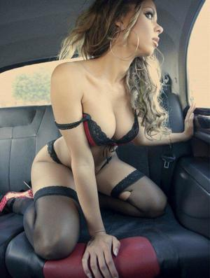 Aura from Raven, Virginia is looking for adult webcam chat