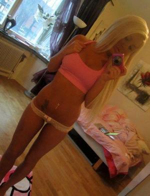 Fidela from Illinois is looking for adult webcam chat