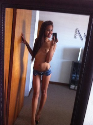 Mariko from Arizona is looking for adult webcam chat