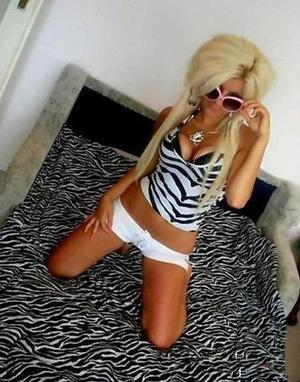 Jodie is looking for adult webcam chat